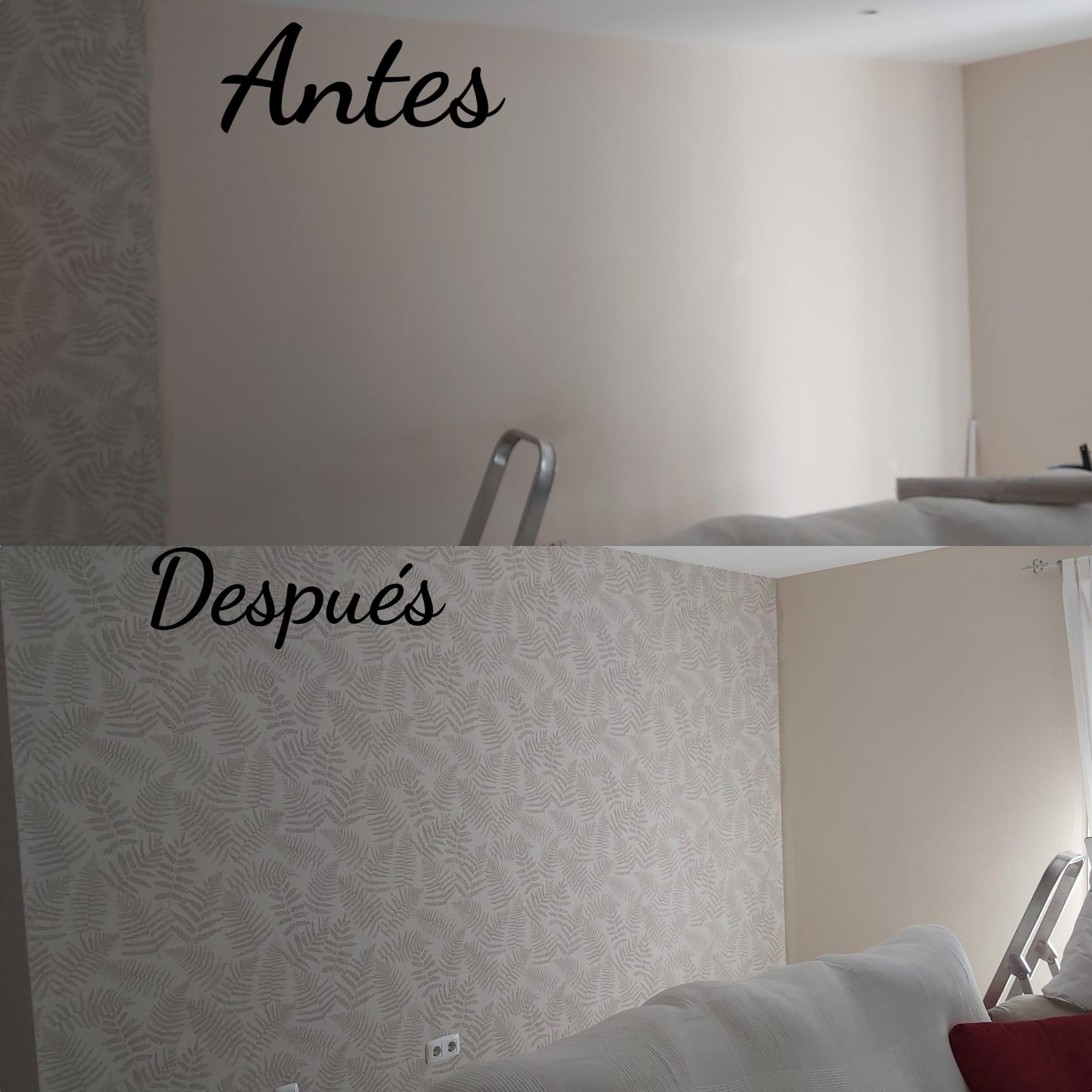 Empresa de pintores. Decoración de salón con papel pintado